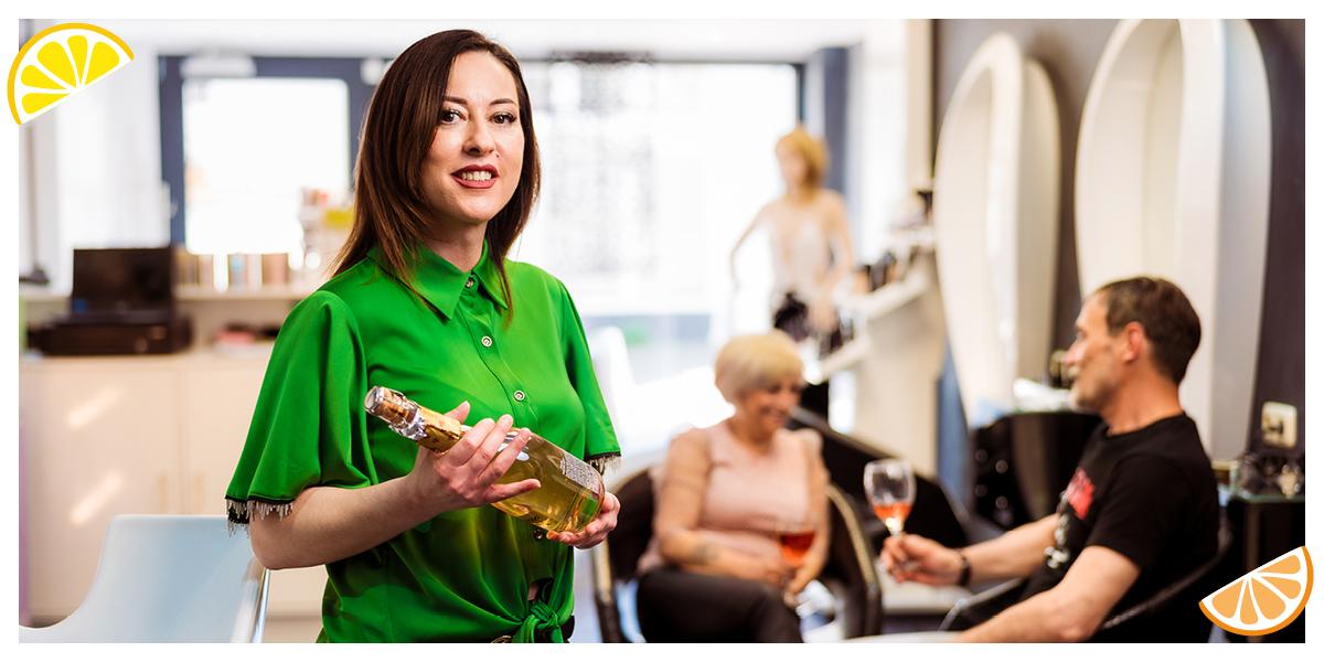 Mutlu organiseert blind dates in haar salon